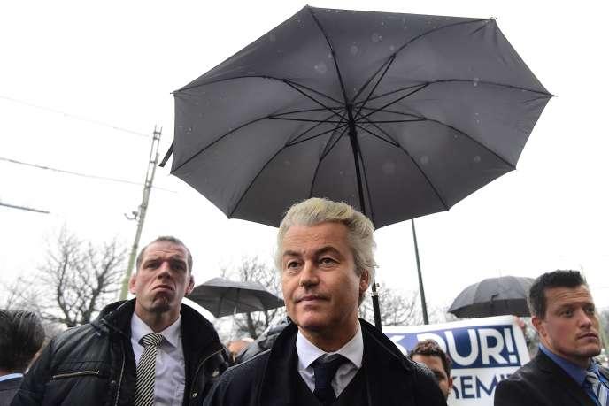 Geert Wilders devant l'ambassade de Turquie à La Haie (Pays-Bas) le 8 mars.