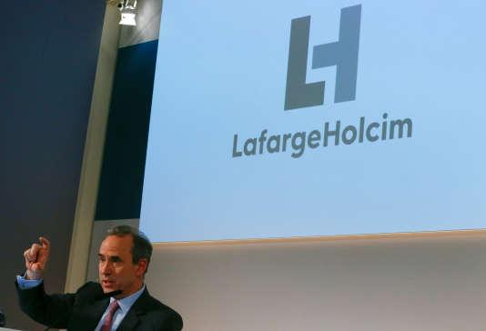 Eric Olsen, alors directeur général de LafargeHolcim, présente les résultats de son groupe, à Zurich, le 2 mars 2017.