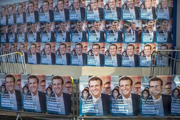 «Les critiques nous accusant de présenter Emmanuel Macron sous un jour par trop négatif sont le fait, pour l'essentiel, soit de militants d'En marche ! soit de membres de l'entourage proche du candidat» (Photo: àTalence, le 9 mars).