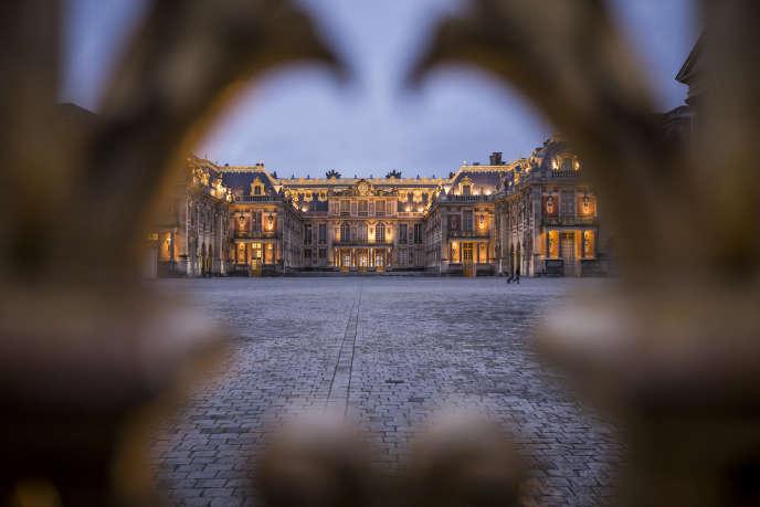 La cour du château de Versailles.