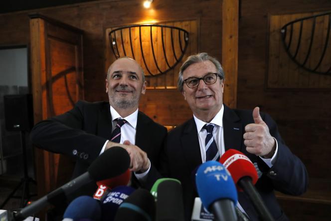Jacky Lorenzetti, président du Racing 92 (à droite), et Thomas Savare, président du Stade Français, le 13 mars à Paris.