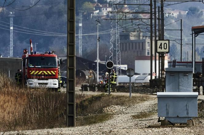 Un train transportant du bioéthanol a déraillé au sud de Lyon, le 13mars, déversant environ 20tonnes de ce carburant sur les voies.