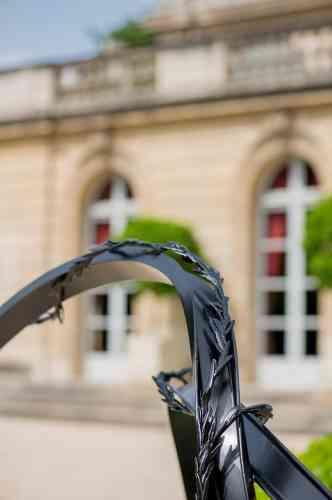 «Véritable banc public au sens le plus noble du terme. Une fois l'œuvre terminée un titre s'est imposé afin de célébrer les racines plurielles de la France dans lesquelles le pays va puiser son dynamisme, son perpétuel renouvellement, instrument de son ouverture au monde. »