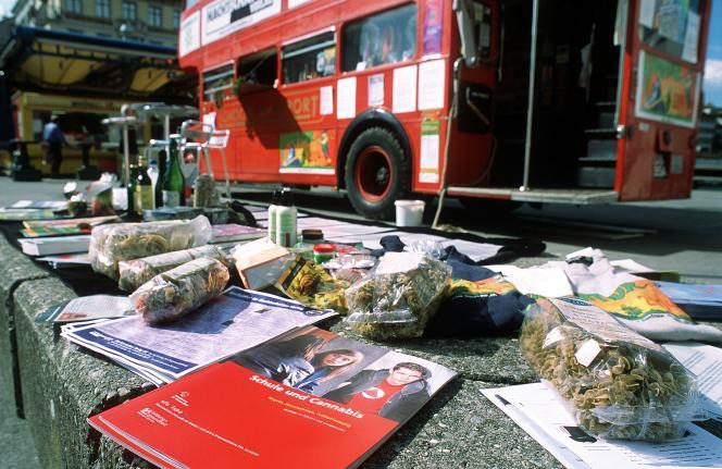 Campagne pour la légalisation du cannabis, à Zurich, en 2004.