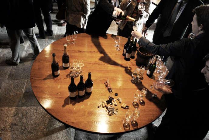 Plusieurs universités forment, en deux ans, des professionnels qui maîtrisent toute la chaîne du vin. AFP PHOTO / JEFF PACHOUD