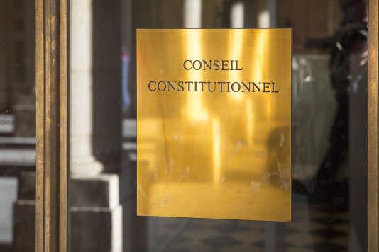 «Deux pistes semblent néanmoins ouvertes, hors du processus électoral: la sanction de la faute civile et l'atteinte au droit d'auteur, ce dernier étant superbement indifférent à tout critère commercial.» (Photo: le Conseil constitutionnel, le 14mars).