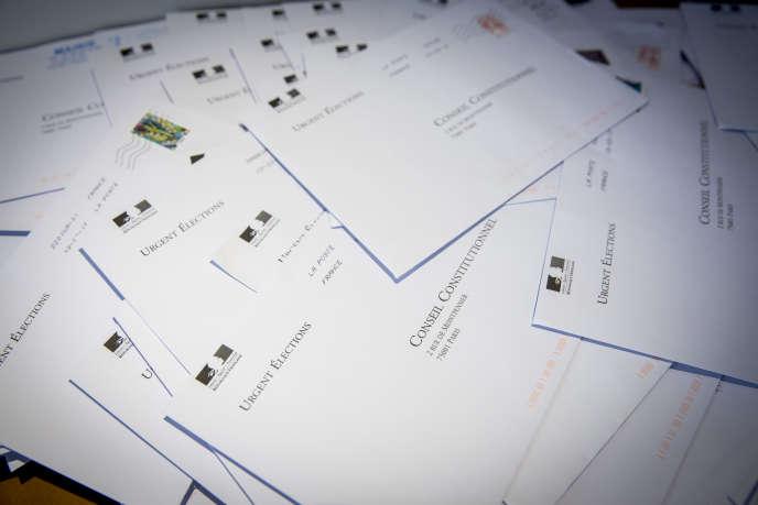 Dépouillement des bulletins de parrainage des candidats à l'élection présidentielle, le 14 mars.