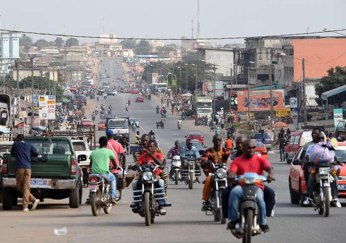 Début janvier, une mutinerie a démarré à Bouaké (ici le 13 janvier), la capitale de l'ancienne rébellion, avant de s'étendre au reste du pays.