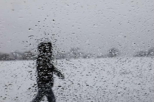 Le gouverneur de l'Etat de New York, Andrew Cuomo, a déclaré préventivement l'état d'urgence à compter de minuit, enjoignant aux fonctionnaires des services non indispensables de rester chez eux – ici, photo prise, depuis la fenêtre d'une voiture, du parc Cunningham, dans le Queens, à New York, le 10 mars 2017.