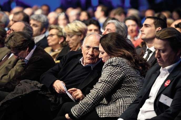 Avec Valérie Boyer, porte-parole de François Fillon, lors du meeting du candidat LR aux Docks de Paris, le 4 mars.