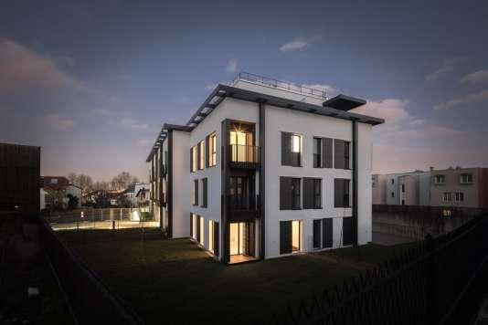 Dessinéepar l'architecte Jean-Michel Wilmotte, et réaliséeen neuf mois par le promoteur Woodeum,la résidence Epicéa, à Issy-les-Moulineaux (Hauts-de-Seine), est en bois massif.