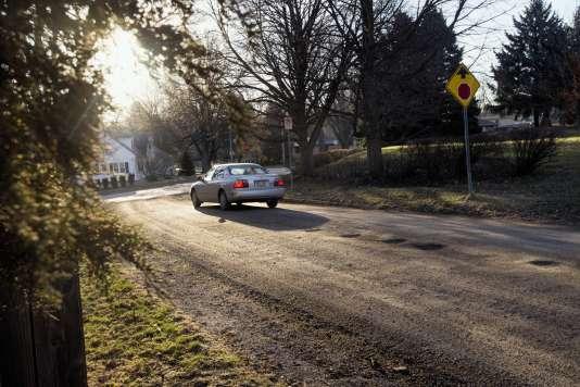 A Omaha (Nebraska), la mairie a décidé de dégoudronner certaines routes afin de ne plusavoir à les entretenir.
