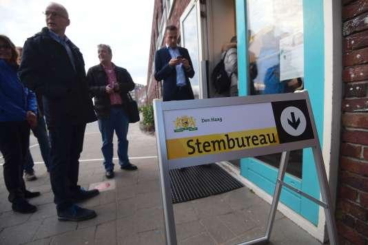Les néerlandais commencent à voter aux législatives