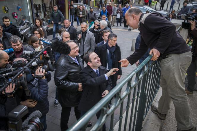 Benoît Hamon en campagne à Marseille, le 7 mars.