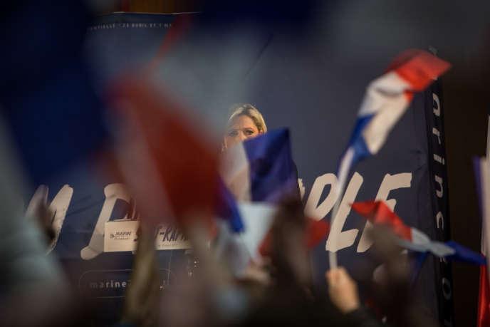 Environ un millier de sympatisants assistent au meeting àSaint-Raphaël, le 15 mars.