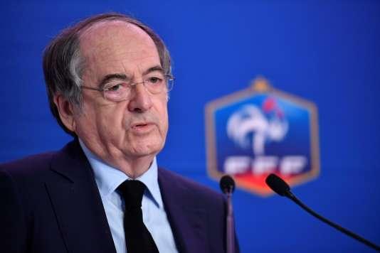 Auditionné, Noël Le Graët propose de créer une fédération des supporteurs de l'équipe de France de football.
