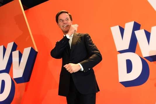 Le premier ministre hollandais, Marck Rutte, a déclaré qu'il voyait cette élection comme « les quarts de finale d'un tournoi à cinq tours contre le populisme », l'élection française constituant la demi-finale, et l'élection allemande, la finale.