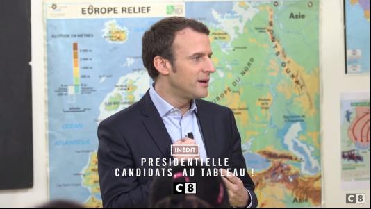Emmanuel Macron au tableau