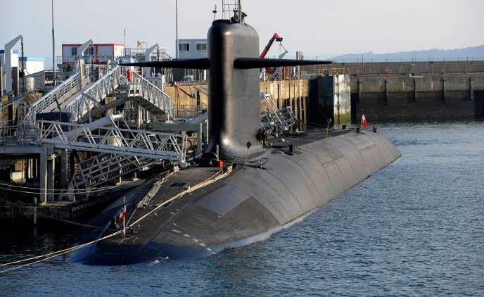 Un sous-marin nucléaire lanceur d'engins (SNLE) sur la base française de l'Ile longue, en décembre 2016.