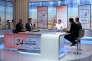 Le journaliste Yves Calvi sur le plateau de son émission de débat« 24 heures en questions» sur LCI.