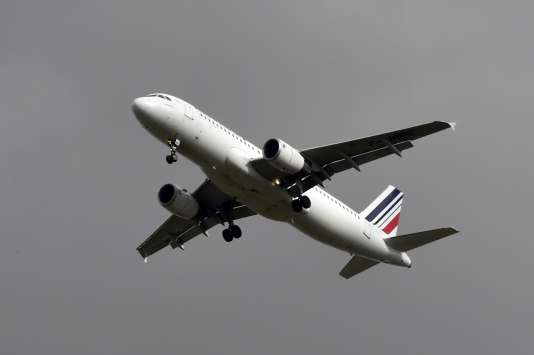 Les hôtesses et stewards d'Air France sont appelés à faire la grève pendant trois jours à partir du samedi 18 mars.