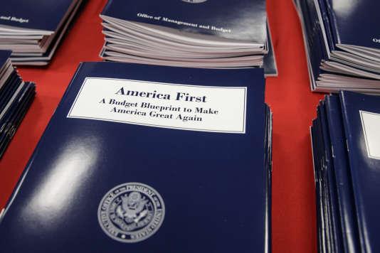 Présentation du projet de budget à Washington le 16 mars.