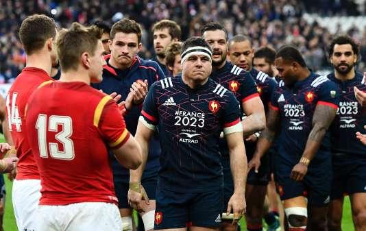 Guilhem Guirado et les Bleus applaudis par les Gallois, le 18 mars à Saint-Denis.