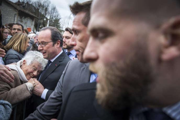 François Hollande, en déplacement à Crolles (Isère), samedi 18 mars.