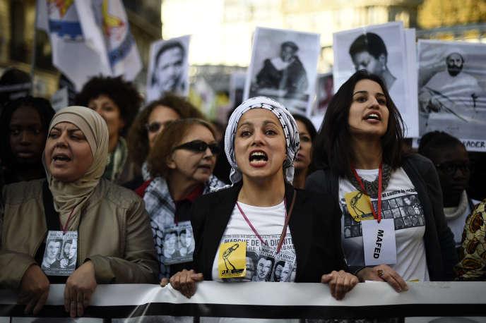 Marche de la dignité et contre le racisme, organisée par un collectif de femmes, le MAFED (Marchedes femmes pour ladignité), à Paris, le 31 octobre 2015.