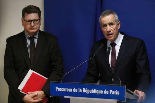 Francois Molins, procureur de la République de Paris (à droite) et Christian Sainte, directeur de la police judiciaire, en conférence de presse, le 18 mars.