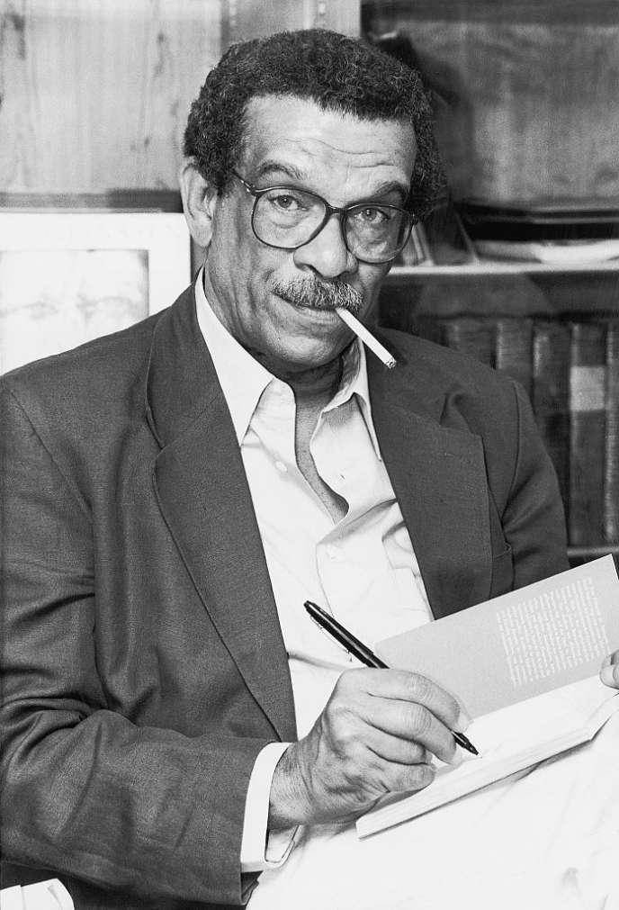Le poète et dramaturge Derek Walcott en 1993.