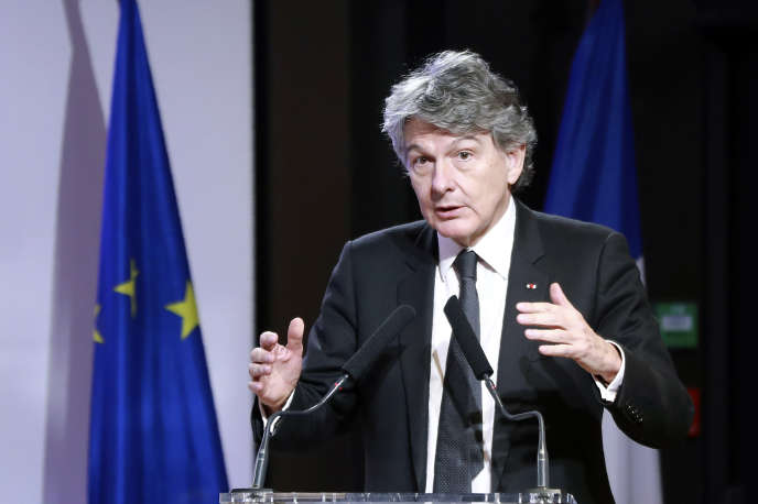 Thierry Breton, lors de la présentation d'un projet sur le Fonds européen de la défense au siège du Medef, le 27 janvier 2017 à Paris.