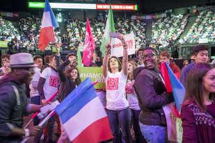 « Nous avons rendez-vous face à l'histoire », a lancé Benoît Hamon au début d'un discours d'une heure et demie où il a rappelé les valeurs de la gauche et prôné la « fraternité » dans une France « ouverte, généreuse, solidaire, innovante ».