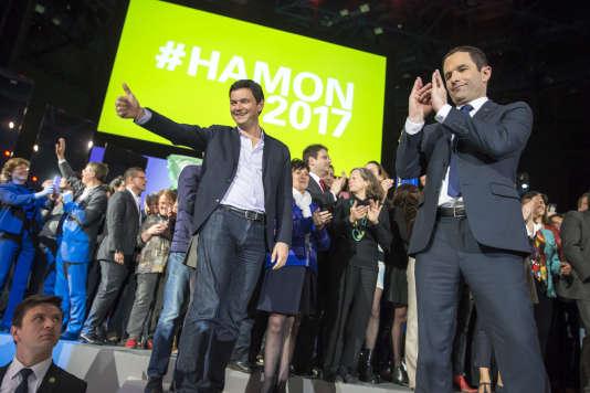 Thomas Piketty participe à un meeting de campagne de Benoît Hamon, à Paris, dimanche 19 mars.