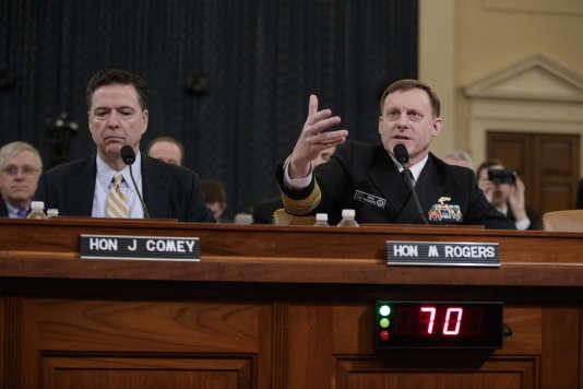 Le directeur du FBI, James Comey, à gauche, et le directeur de la NSA, l'amiral Mike Rogers, à droite, le 20 mars.
