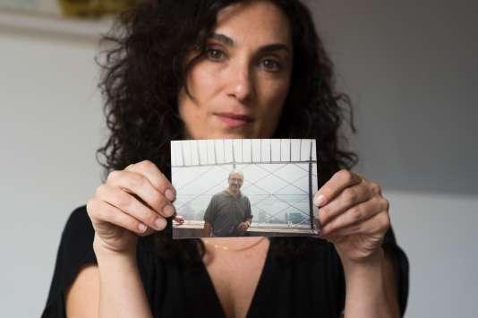 Le père de Madhis Keshavarz, d'origine iranienne, est mort aux Etats-Unis. Sa famille n'a pas pu venir d'Iran pour être à son chevet.
