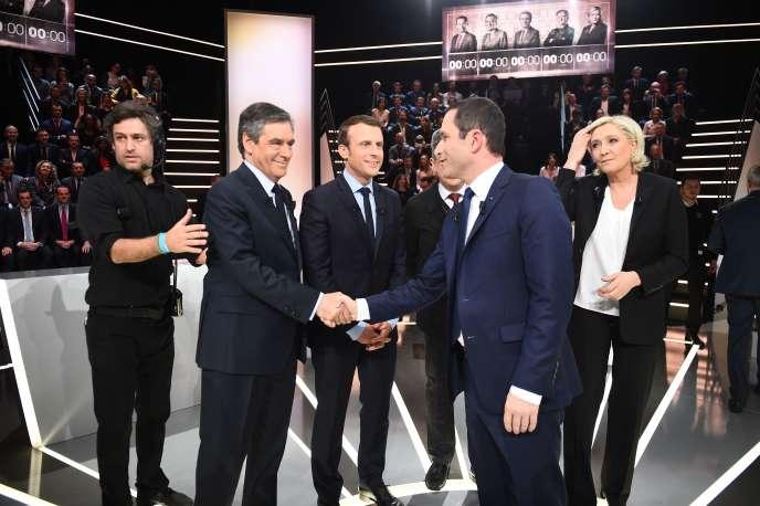 Les cinq principaux candidats à la présidentielle lors du débat télévisé sur TF1, lundi 20 mars.