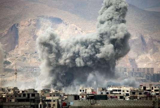 Raid aérien dans le quartier de Jobar, à Damas, le 20 mars.