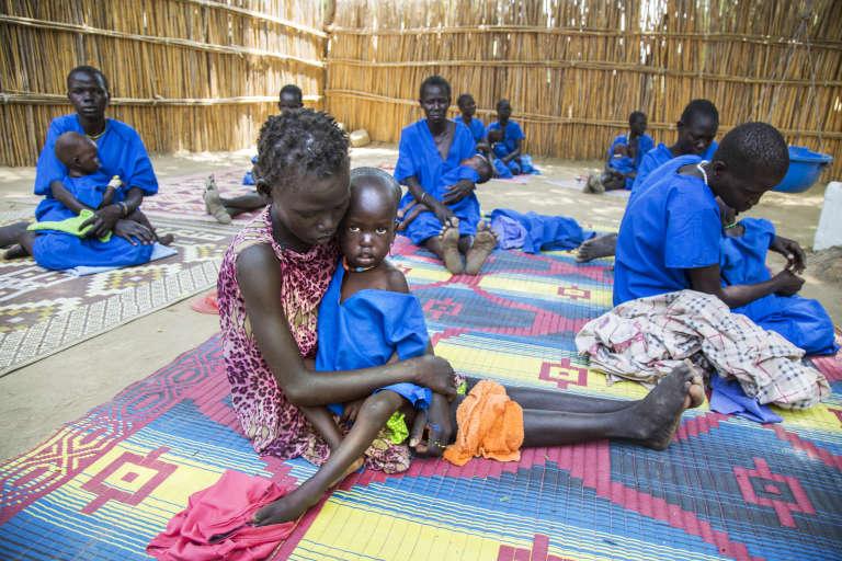 Des enfants atteints de malnutrition sévère au centre de stabilisation de Ganyiel, au Soudan du Sud le 4 mars 2017.