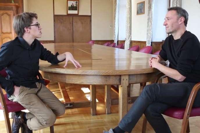 « N'importe qui», un documentaire français de et avec François Bégaudeau.