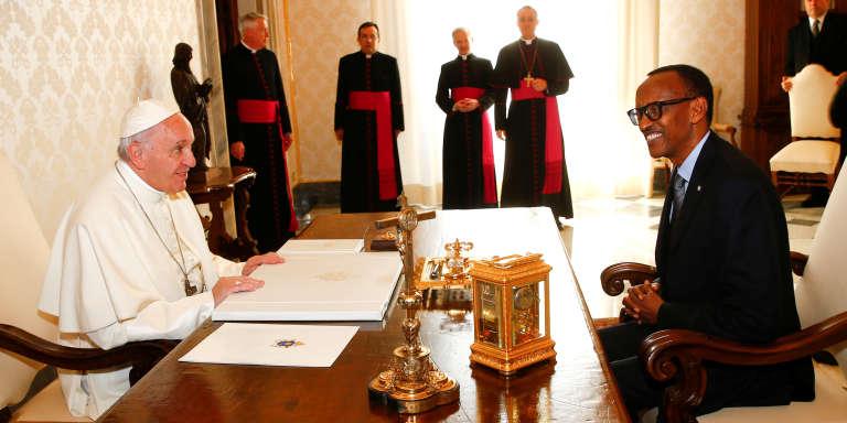 Le pape François reçoit le président rwandais Paul Kagamé au Vatican le 20 mars 2017;