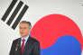 En tête des sondages, Moon Jae-in, du Parti Minju (partidémocrate, principale composante de l'opposition),prône le dialogue avec Pyongyang.
