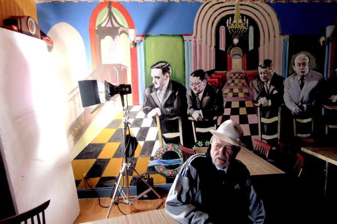 Jean-Pierre Mocky sur le tournage de son film« Vénéneuses».