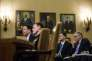 James Comey, directeur du Bureau fédéral des enquêtes (FBI), et Michael Rogers, directeur de l'Agence de sécurité nationale (NSA), témoignent devant la commission de la Chambre des représentants sur l'ingérence de la Russie dans les élections américaines de 2016, au Capitole, à Washington, le 20 mars.