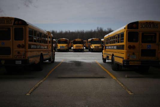 Des bus scolaires à Louisville (Kentucky).