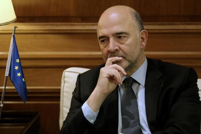 Le commissaire européen français Pierre Moscovici, lors d'une rencontre avec Alexis Tsipras, le premier ministre de la Grèce, à Athènes, le 28 novembre 2016.