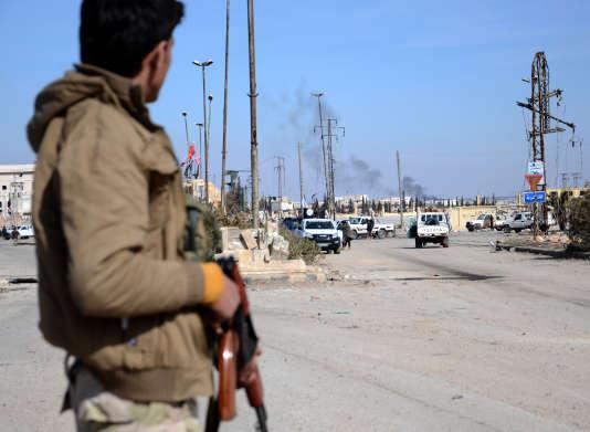 Des rebelles syriens soutenus par la Turquie, près d'Al-Bab, dans le nord de la Syrie, le 20 février 2017.