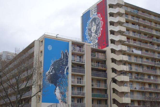 Fresques d'Obey en haut et C215 en bas, boulevard Vincent-Auriol dans le 13e arrondissement de Paris.