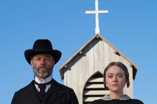 Guy Pearce et Dakota Fanning dans « Brimstone », de Martin Koolhoven.