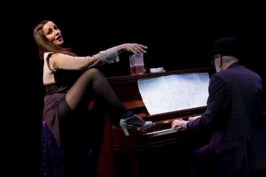 La chanteuse Nathalie Joly et le pianisteJean-Pierre Gesbert dans« Chansons sans gêne».